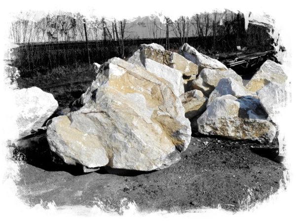 Solitér a kámen do zahrady